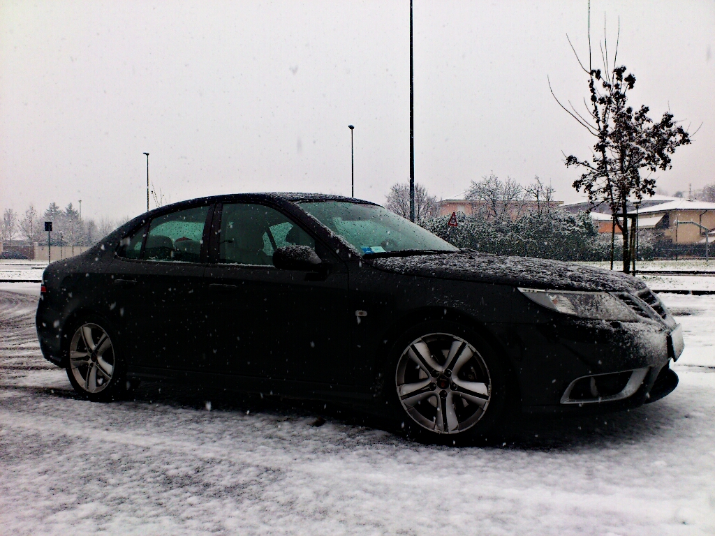 Saab on snow 2.jpg